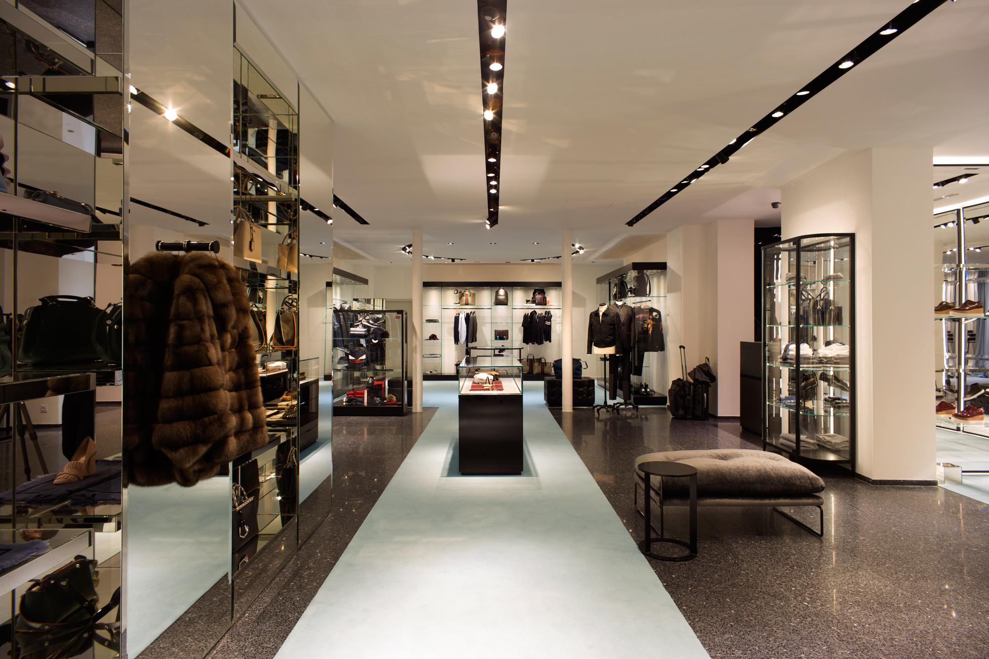 Boutique de luxe - 400m2 - Rue Grignan, Marseille.