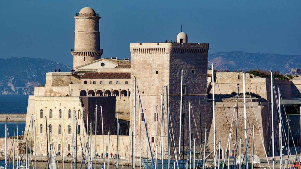 Fort Saint Jean vu du Vieux Port de Marseille